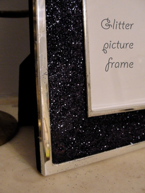 easy glitter picture frame craft